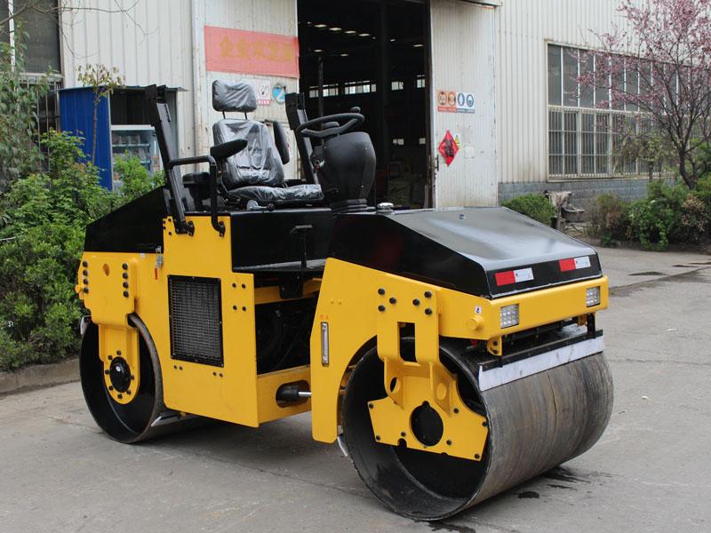 3T座駕式雙鋼輪壓路機