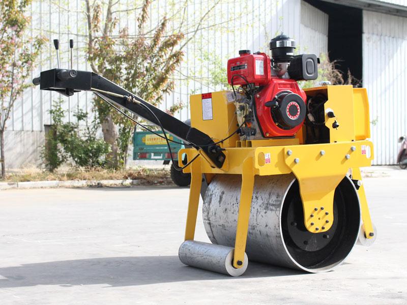 600手扶式單鋼輪壓路機